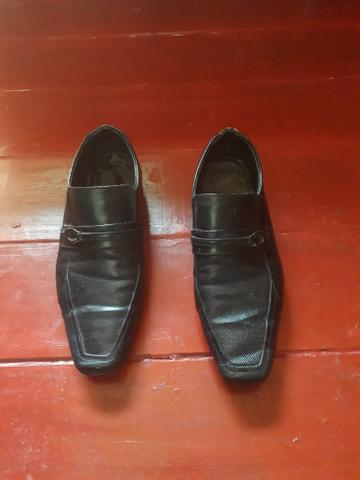 Vendo um sapato social