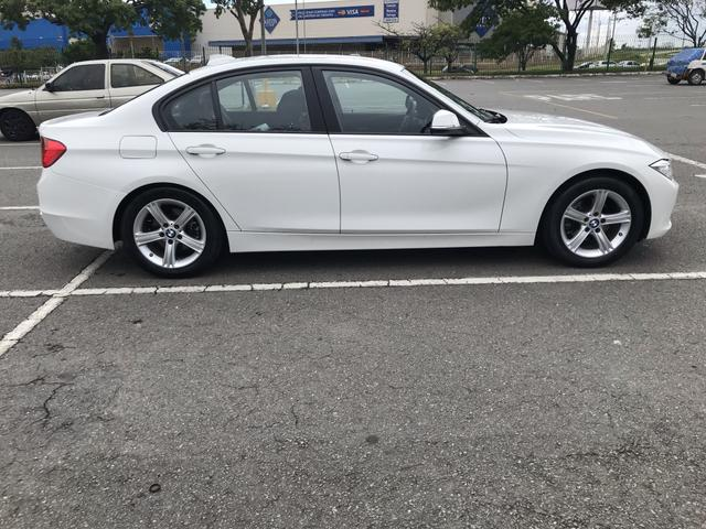 BMW 320i - Foto 3
