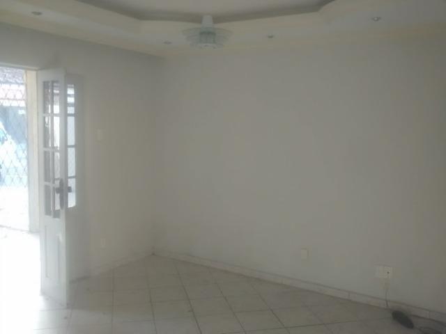 Casa 03 dormitórios, 2 banheiros, garagem para 3 carros- Ibura - Lagoa Encantada - Foto 5