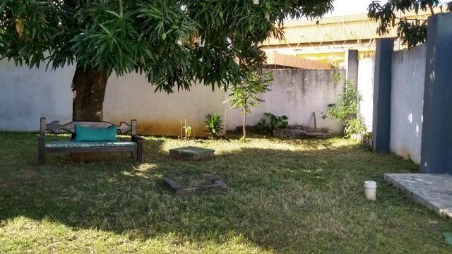 Casa com quintal em Itapuã em Excelente localização!(Veja o vídeo no Youtube!) - Foto 7