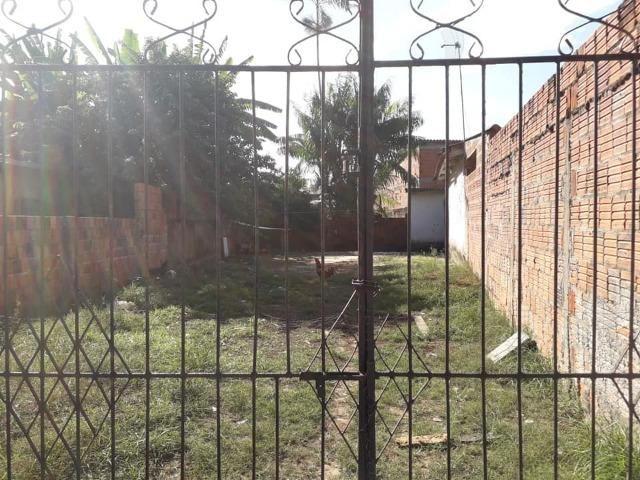 Venda Casa, com 2 terrenos e uma kitnet - Aeroporto Velho - Foto 10