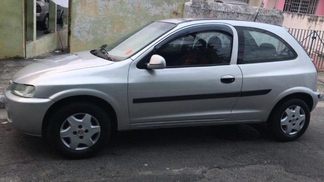 Carro Celta 2003