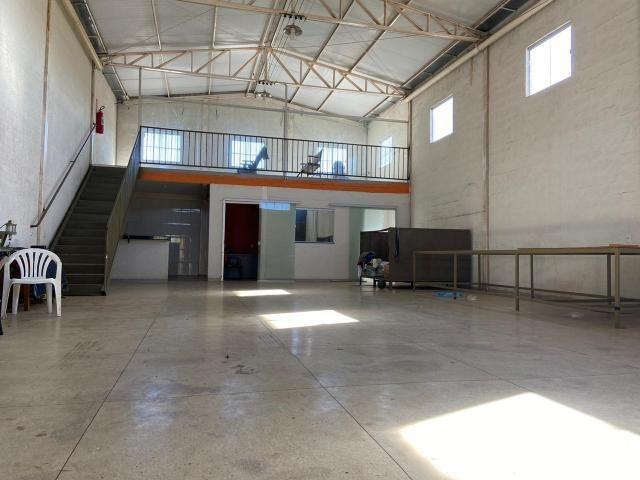 Galpão no Setor Garavelo em Aparecida de Goiânia - Foto 4
