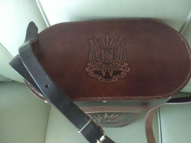 Bolsa em couro para transporte de chimarrão. - Foto 3