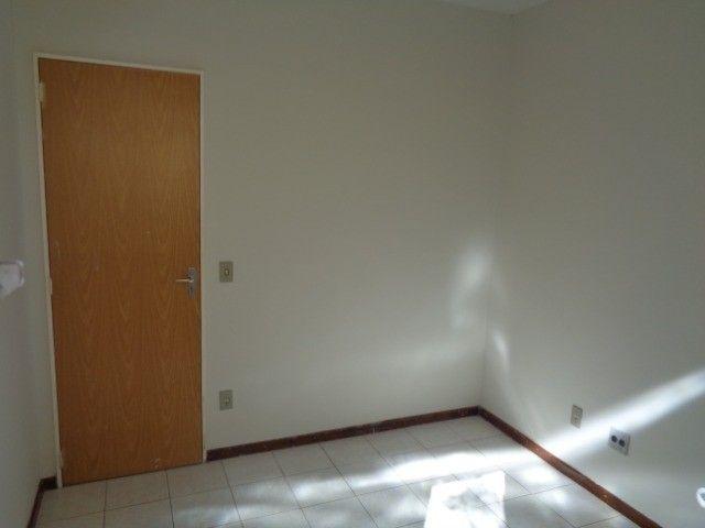 Apartamento com 3 quartos, 70 m², aluguel por R$ 800/mês - Foto 5