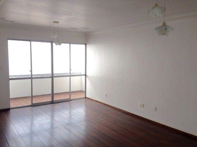 Alugo apartamento no Boulevard Amazonas de 3 quartos e 144m²