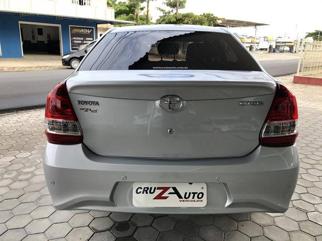 Toyota Etios Platinum Sedan 1.5 Flex 2019 Automático (Top - Na Garantia) - Foto 9