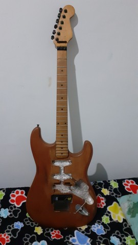 Vendo projeto de guitarra modelo para  Floyd Rose