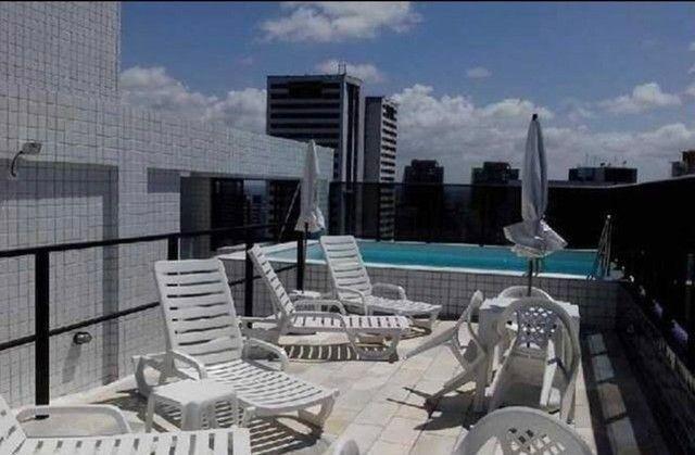 Perfeito flat com piscina ótima localização - Foto 3