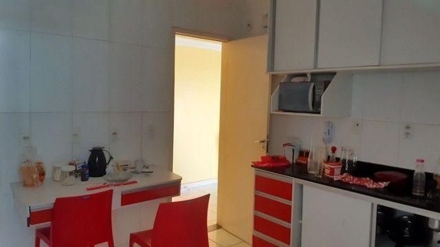 Alugo no Edifício Sublime Apto Semi-mobiliado - Foto 9