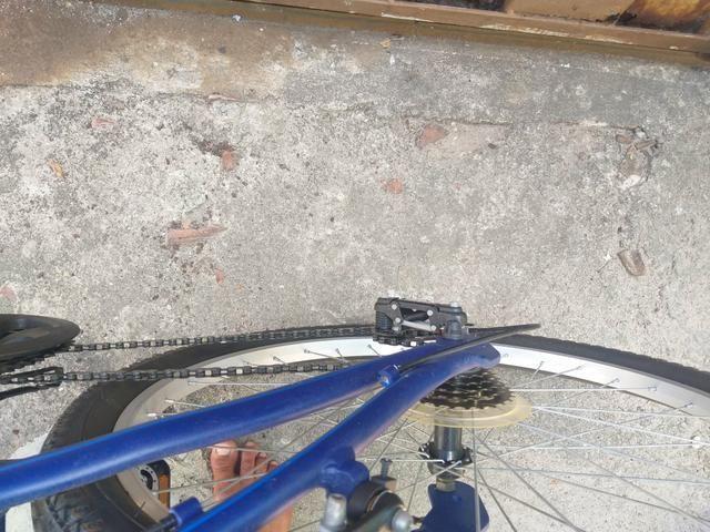 Bicicleta muito boa 1 mês de uso 600 reais - Foto 4