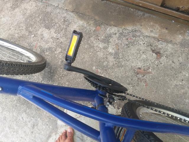 Bicicleta muito boa 1 mês de uso 600 reais - Foto 5