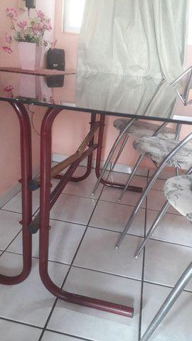 Vendo mesa de vidro e 4 cadeiras de inox