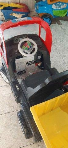 Vendo caminhão de brinquedo em perfeito estado - Foto 2