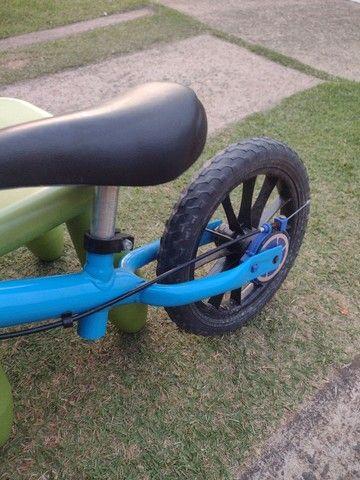 Vendo bicicleta sem pedal para criança pequena - Foto 4