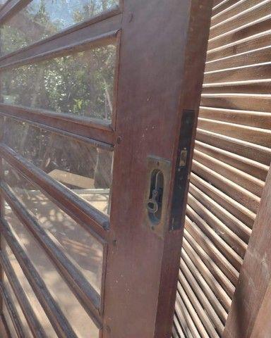Portas de Madeira Ipê veneziana e vidro - Foto 4