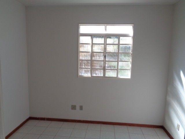 Apartamento com 3 quartos, 70 m², aluguel por R$ 800/mês - Foto 9