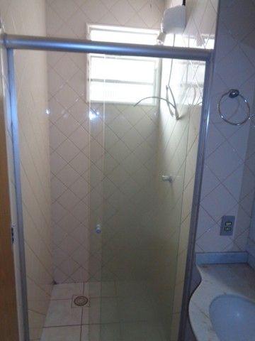 Apartamento com 3 quartos, 70 m², aluguel por R$ 800/mês - Foto 10