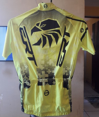 Eu tô vendendo está camisa ERT - Foto 2