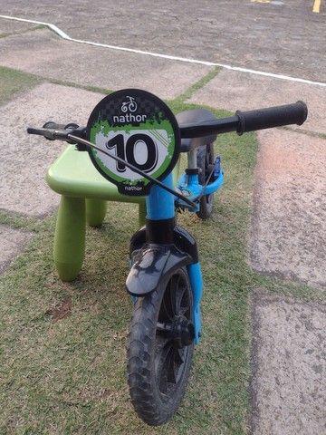 Vendo bicicleta sem pedal para criança pequena - Foto 2