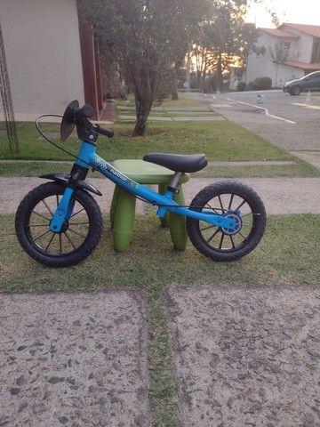 Vendo bicicleta sem pedal para criança pequena
