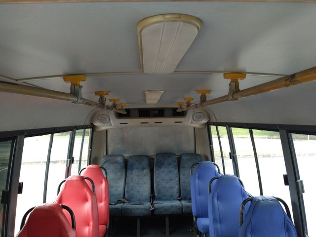 Micro ônibus volare v8 on com ar condicionado  - Foto 11