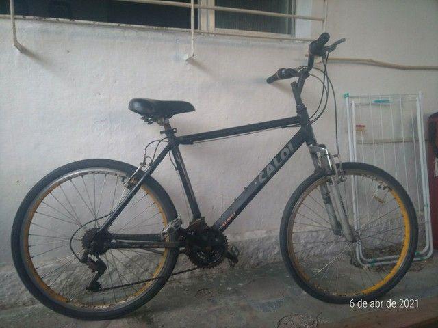 Bicicleta Caloi Aro 26 em bom estado.