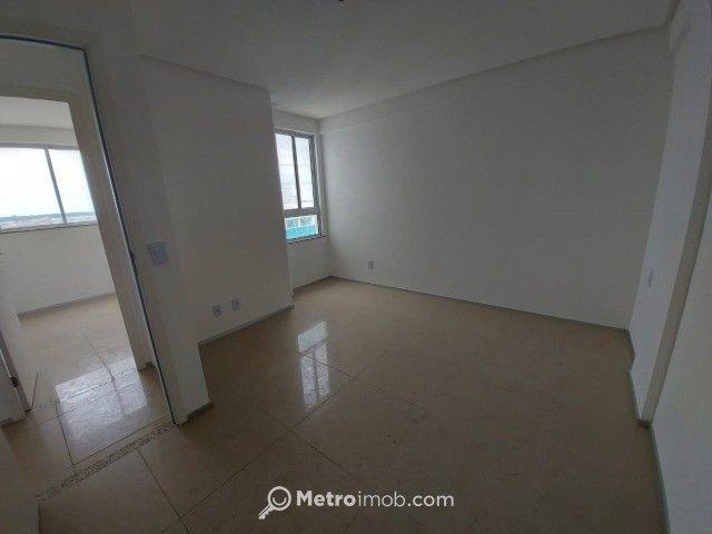 Apartamento com 3 quartos à venda, 82 m² por R$ 720.000 - Ponta do Farol - mn - Foto 2