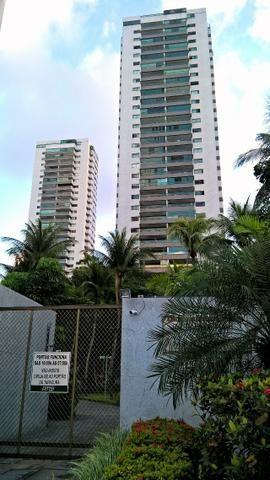 Apartamento no edifício Margarida Pontes, 4 quartos. Em Casa Forte. Todo reformado! 240m2
