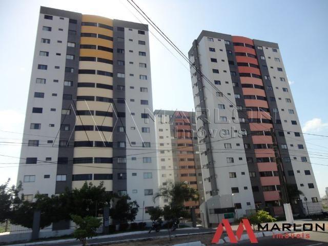 Apartamento Green Towers em Candelária