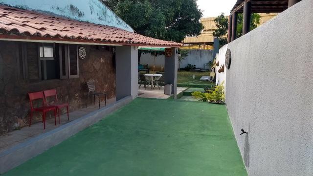 Casa com quintal em Itapuã em Excelente localização!(Veja o vídeo no Youtube!) - Foto 4