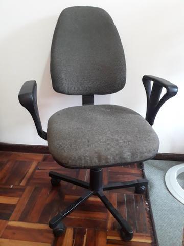 Cadeira giratória cinza - Foto 3