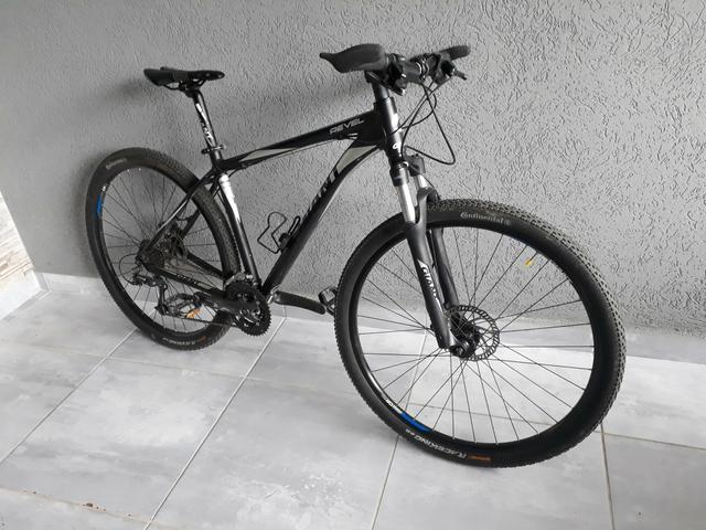 Vendo Montain bike Giant - Foto 4