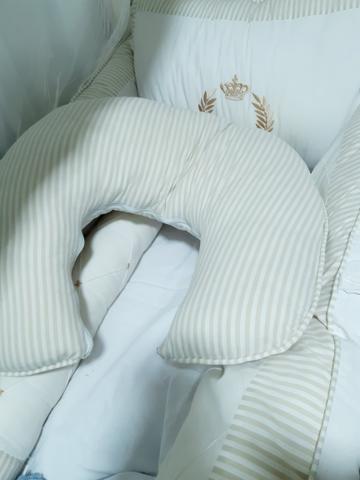 Kit bolsa, almofada amamentação e jogo berço realeza - Foto 3