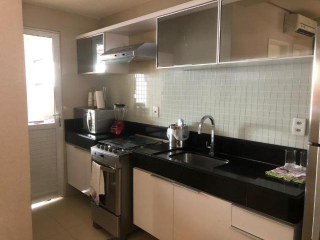 CA1572 Casa 80m² Cond. Magna Villaris 3 Qts Sendo 2 Sts Decorada, Climatizada, e Mobiliada - Foto 3