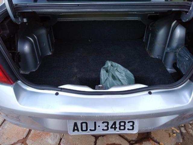 Renault Clio sedan 1.6 completo - Foto 5