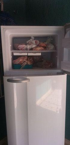 Vendo geladeira Electrolux 462l  R$1.300 - Foto 4