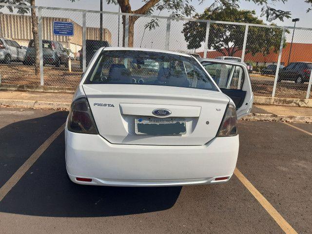 Ford Fiesta Sedan 2014 - Foto 4