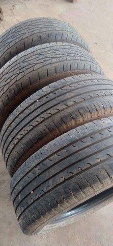 Vendo 4 pneus 215/60/ aro 17 dois quaser novo da marca goodiyear