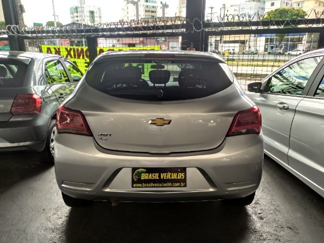 Chevrolet Onix 1.0 Flex 2020 Completo ( Aceitamos troca e financiamos ) - Foto 7