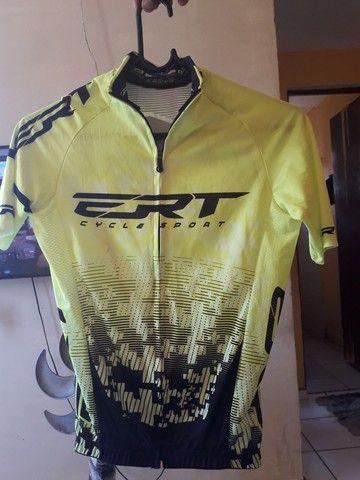 Eu tô vendendo está camisa ERT - Foto 3