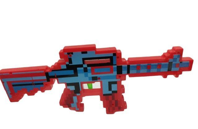 Arma do Minecraft laser som e música muito top.
