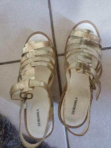 Sandália doramila tamanho 39