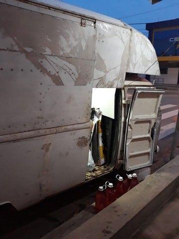 Kombi tipo Food Truck esta em um ótimo estado com um bom preço Leia á Descrição  - Foto 3