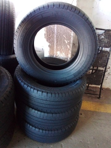 Pneus 205/70/15C  Michelin Seminovos