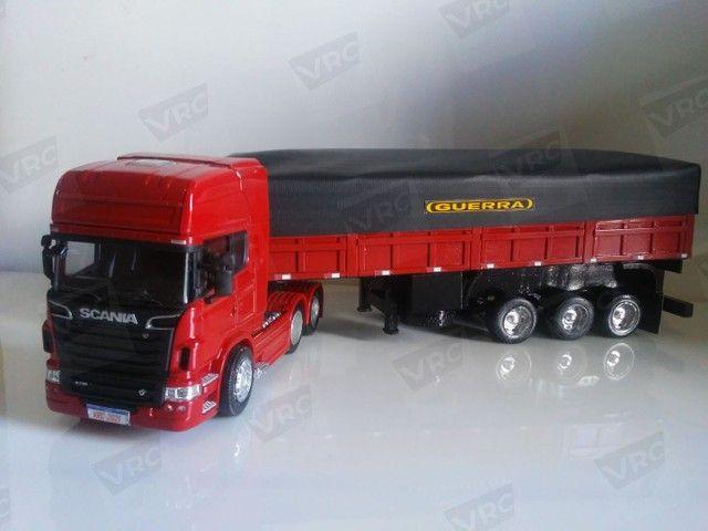Miniatura conjunto Scania + carreta graneleira. Escala 1/32 - Foto 2