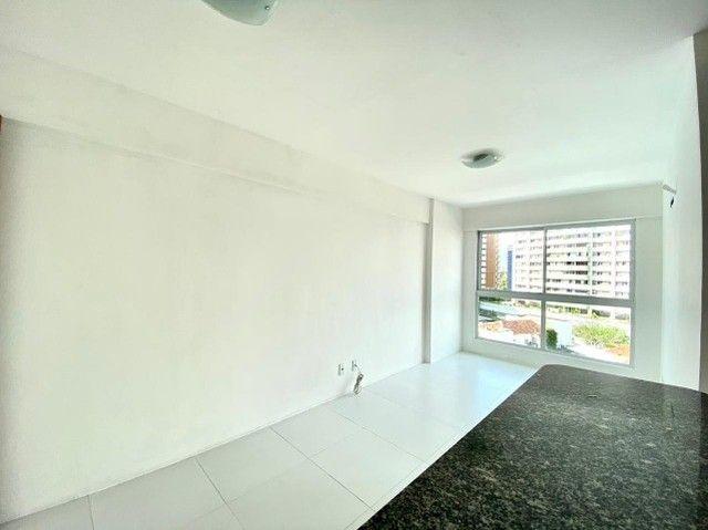 Excelente apê de 2 quartos e 2 vagas cobertas no Espinheiro - Foto 2