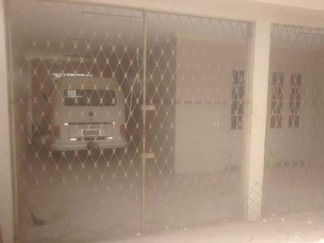 Casa 03 dormitórios, 2 banheiros, garagem para 3 carros- Ibura - Lagoa Encantada