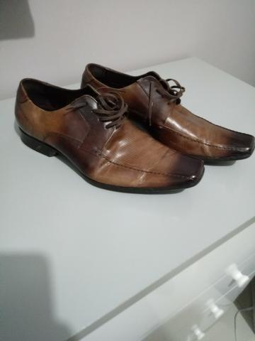 Sapato social Novo - Marca Democrata - tamanho 42