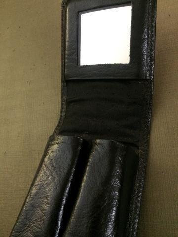 Porta batom de couro com espelho
